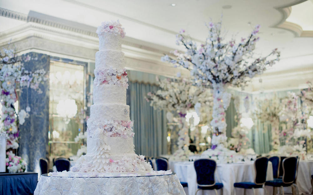 Luxury Wedding Cakes.jpg