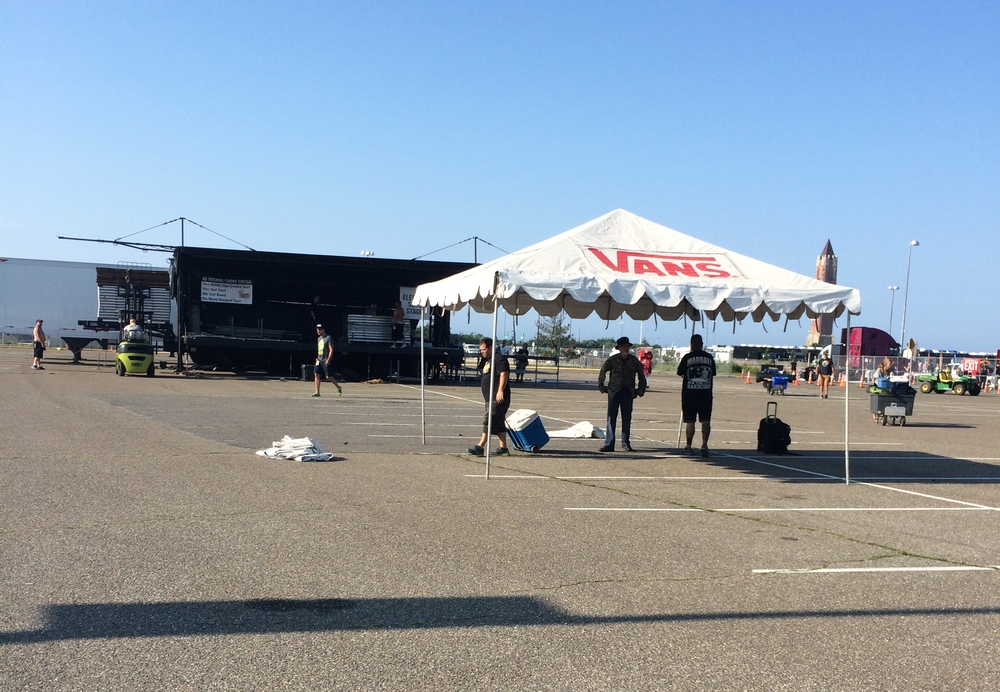 pre-show setup. Can you believe Warped can look this...empty?