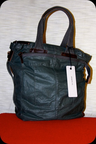 Carter Tote front