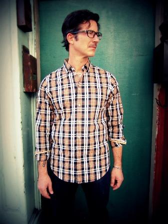 trovata_santorini_shirt
