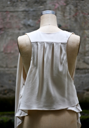 Ever.Eros.Vest.back