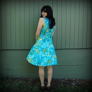 60s+Blue+Floral+Dress+001.jpg