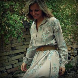 70s+Grey+Floral+Dress+003.jpg