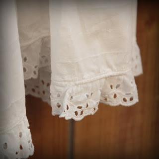 50s+White+Eyelet+Slip+002.jpg