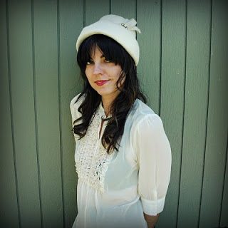 60s+White+Fuzzy+Dress+Hat+001.jpg