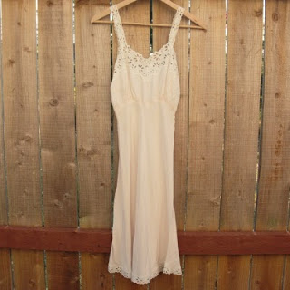 50s+Pale+Pink+Lace+Slip+001.jpg