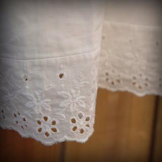 50s+Wide+White+Eyelet+Slip+003.jpg