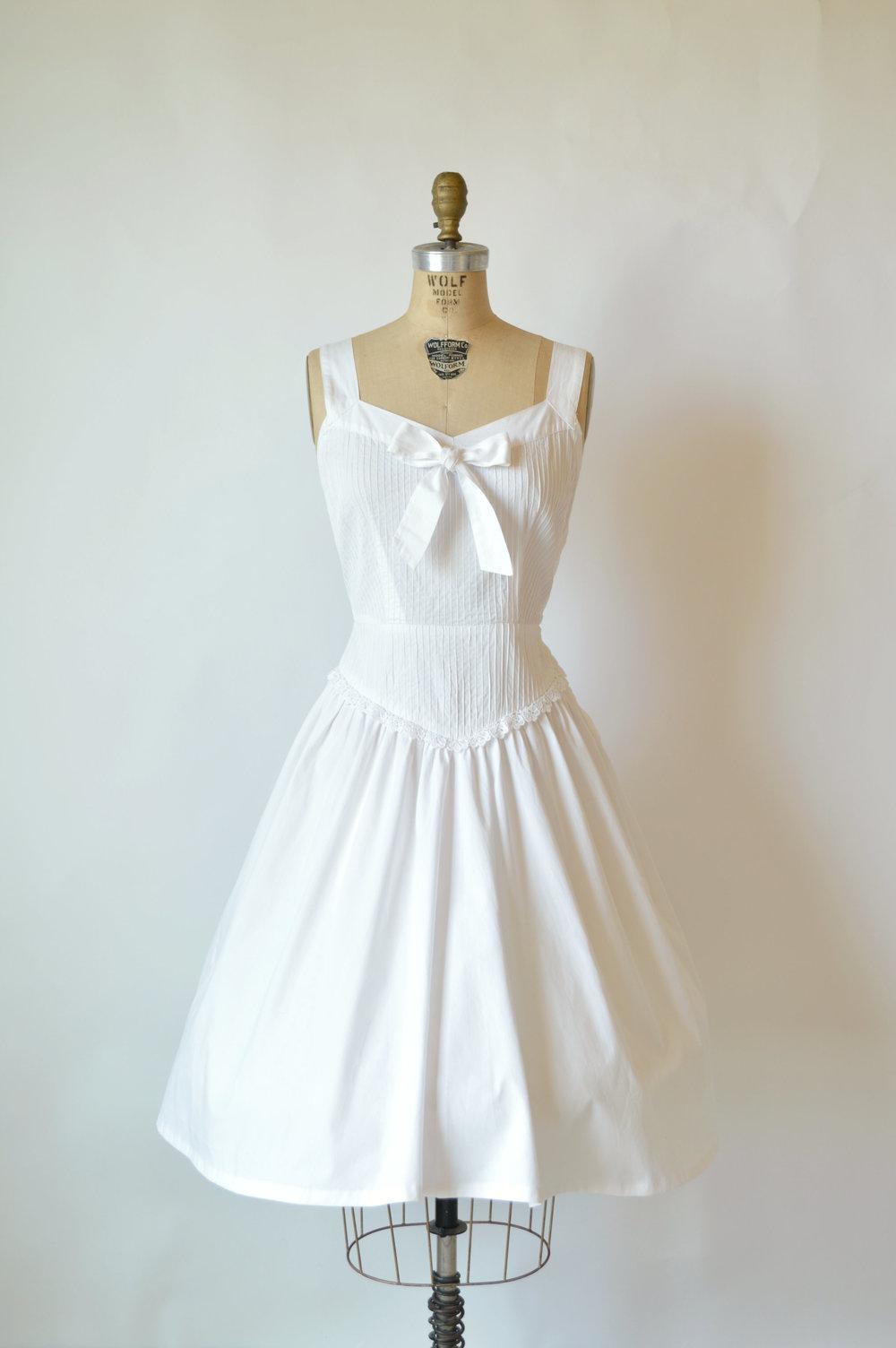Shop vintage wedding dresses vintage clothing store for Vintage wedding dresses online shop