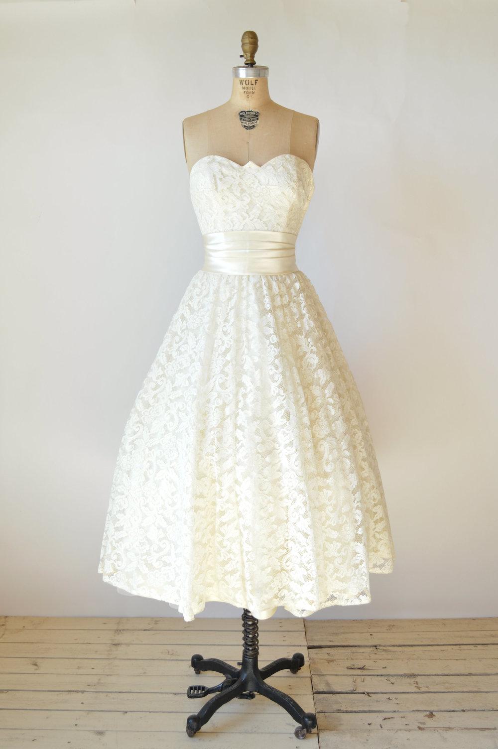 Shop vintage a spring bouquet vintage clothing store for Vintage wedding dresses austin