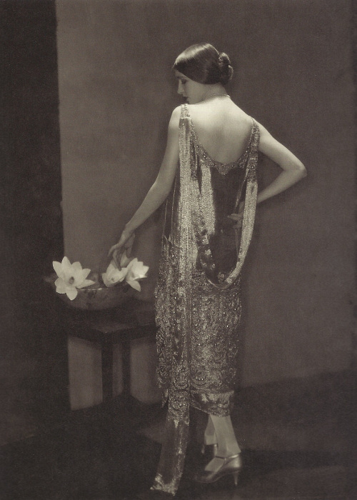 Marion Morehouse, in beaded Chanel Gown, 1925 © Condé Nast Archive/Corbis.