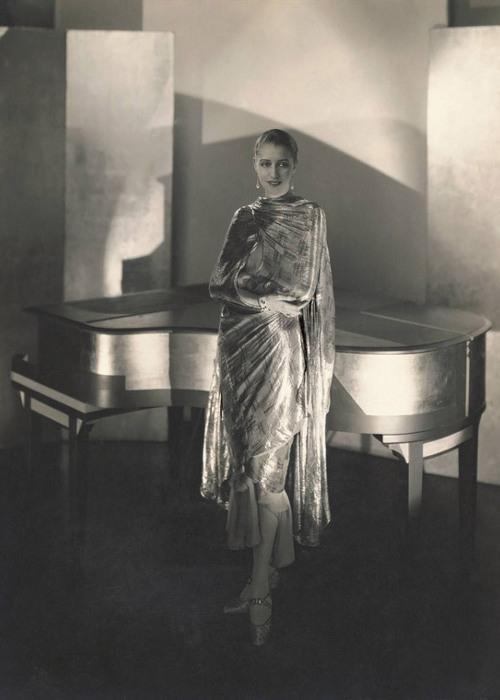 Marion Morehouse wearing Cheruit, 1928 © Condé Nast Archive/Corbis.