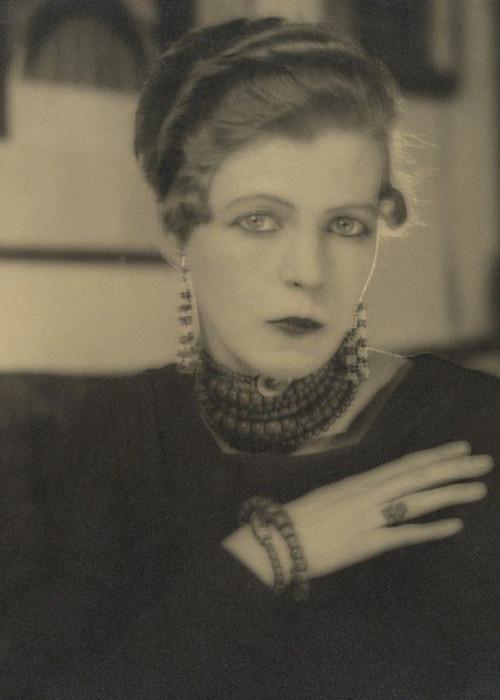 Vintage style icon, Nancy Cunard