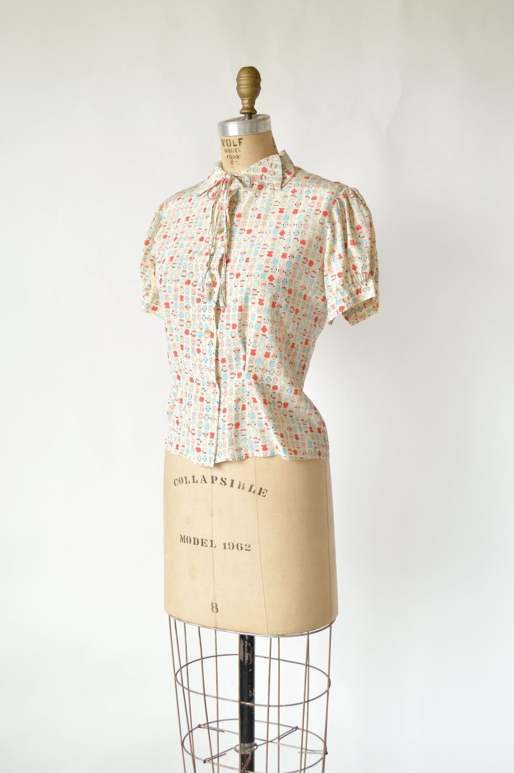 1940s Novelty Print Blouse