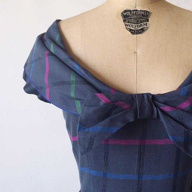 Vintage details on a 1950s dress