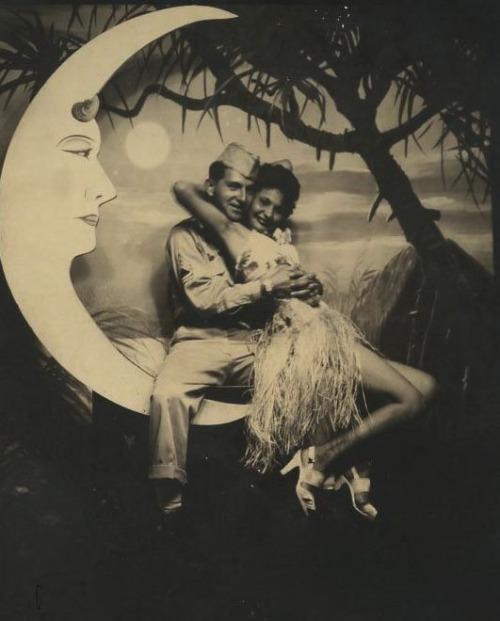 1940s paper moon photo