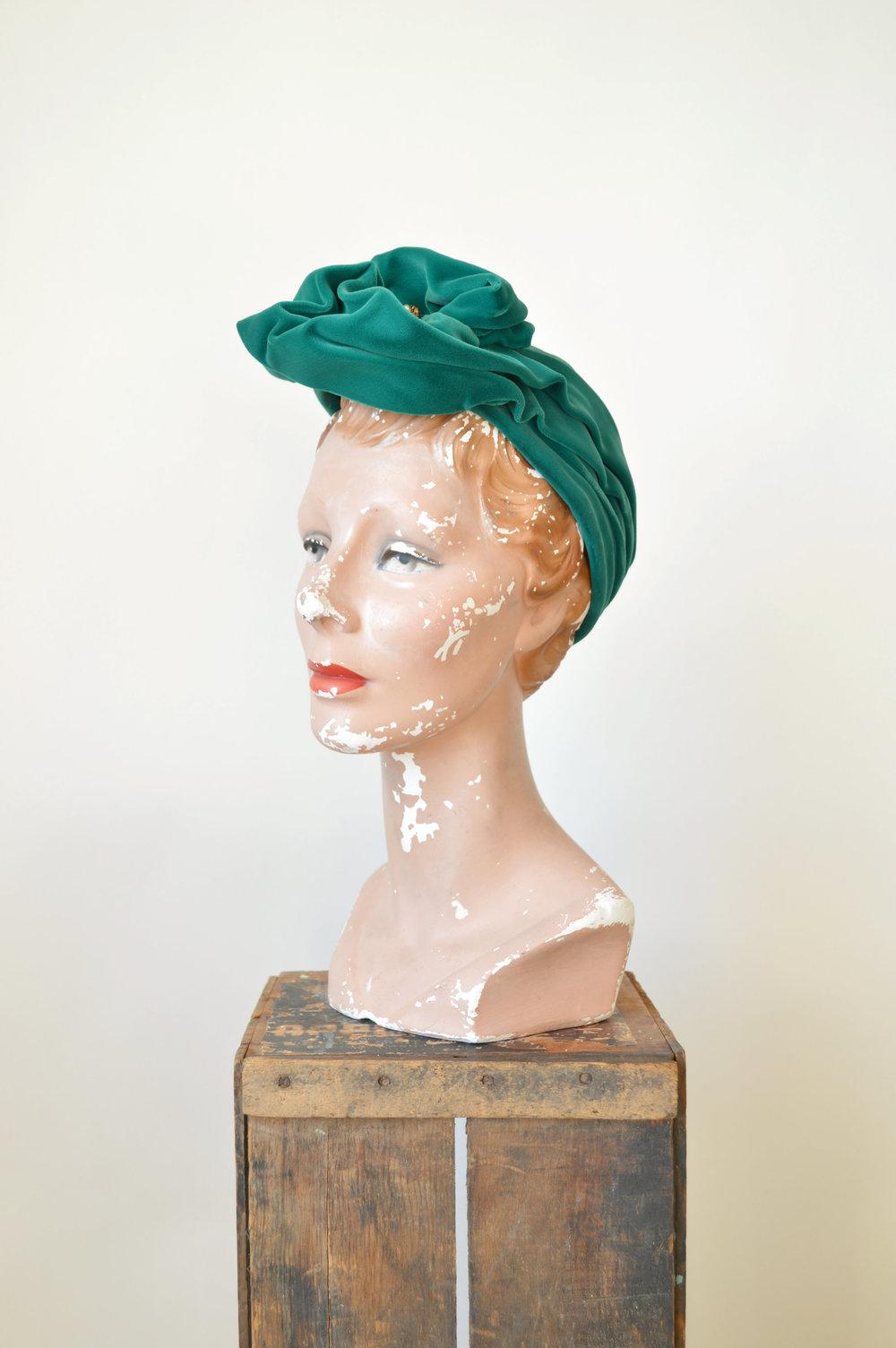 Vintage 1960s Green Velvet Hat