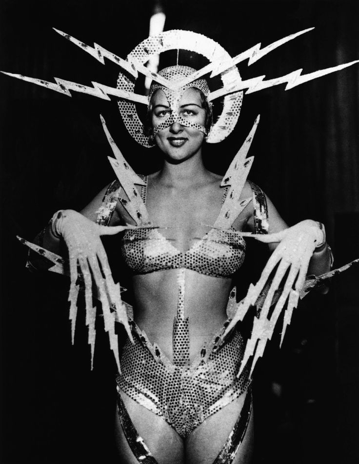 1939 radio queen costume