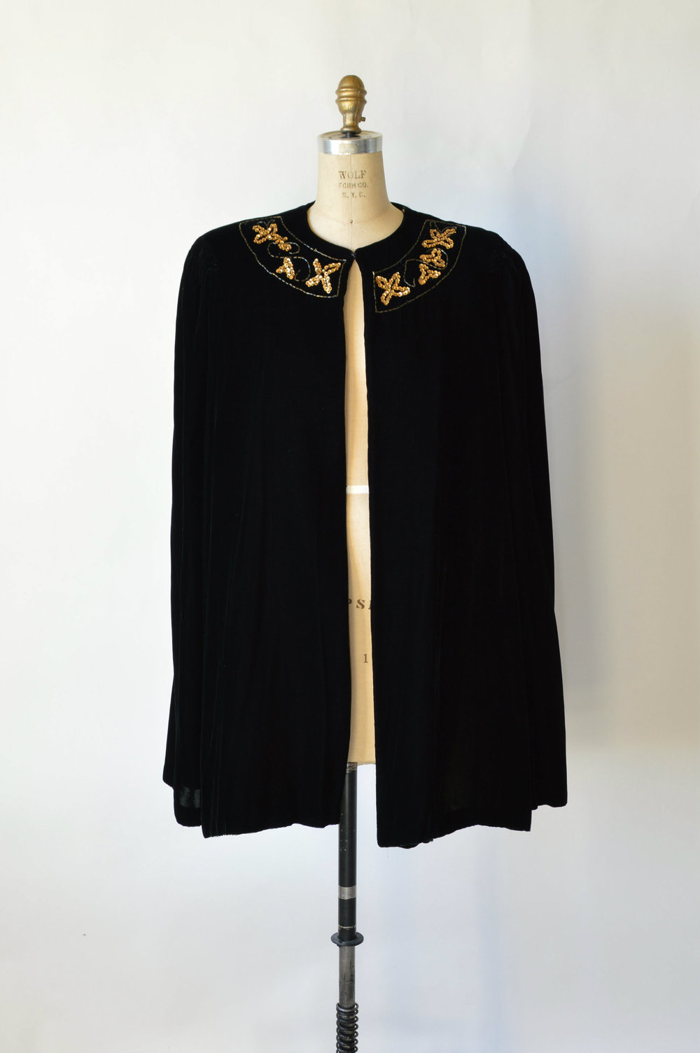 Vintage 1940's Holiday Cape