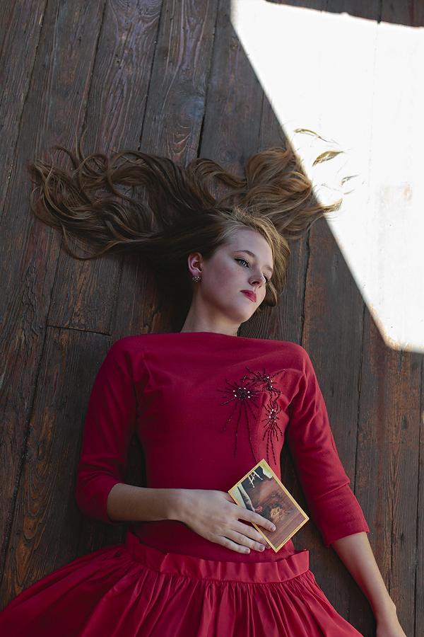 The Color of Love. Photo by Nicole Mlakar. Wardrobe via Dalena Vintage.