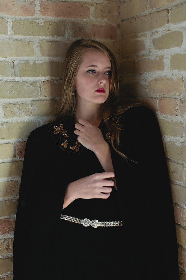 Velvet Affair, a vintage holiday lookbook from Dalena Vintage. Photography by Nicole Mlakar.