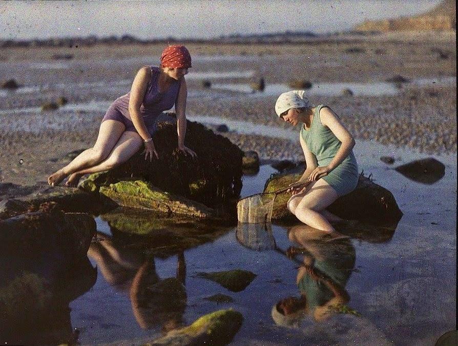 Gustave Gain, Pêcheuses sur la plage, Siouville-Hague (Manche)