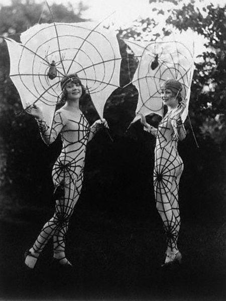 Spider costume, 1927