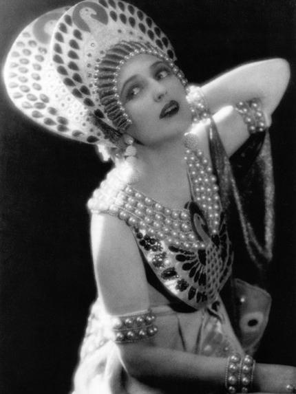 vintage-cleopatra-costume.jpg
