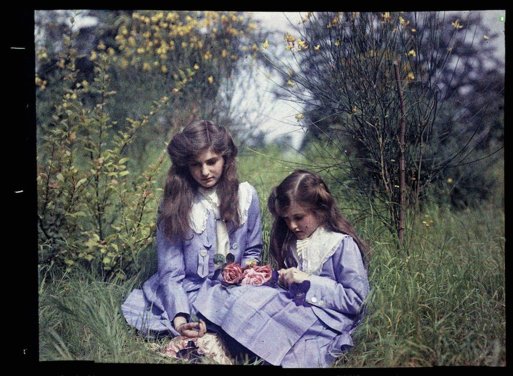 Janet and Iris Laing circa 1910. IMAGE: NATIONAL MEDIA MUSEUM / SCIENCE & SOCIETY PICTURE LIBRARY GETTY IMAGES
