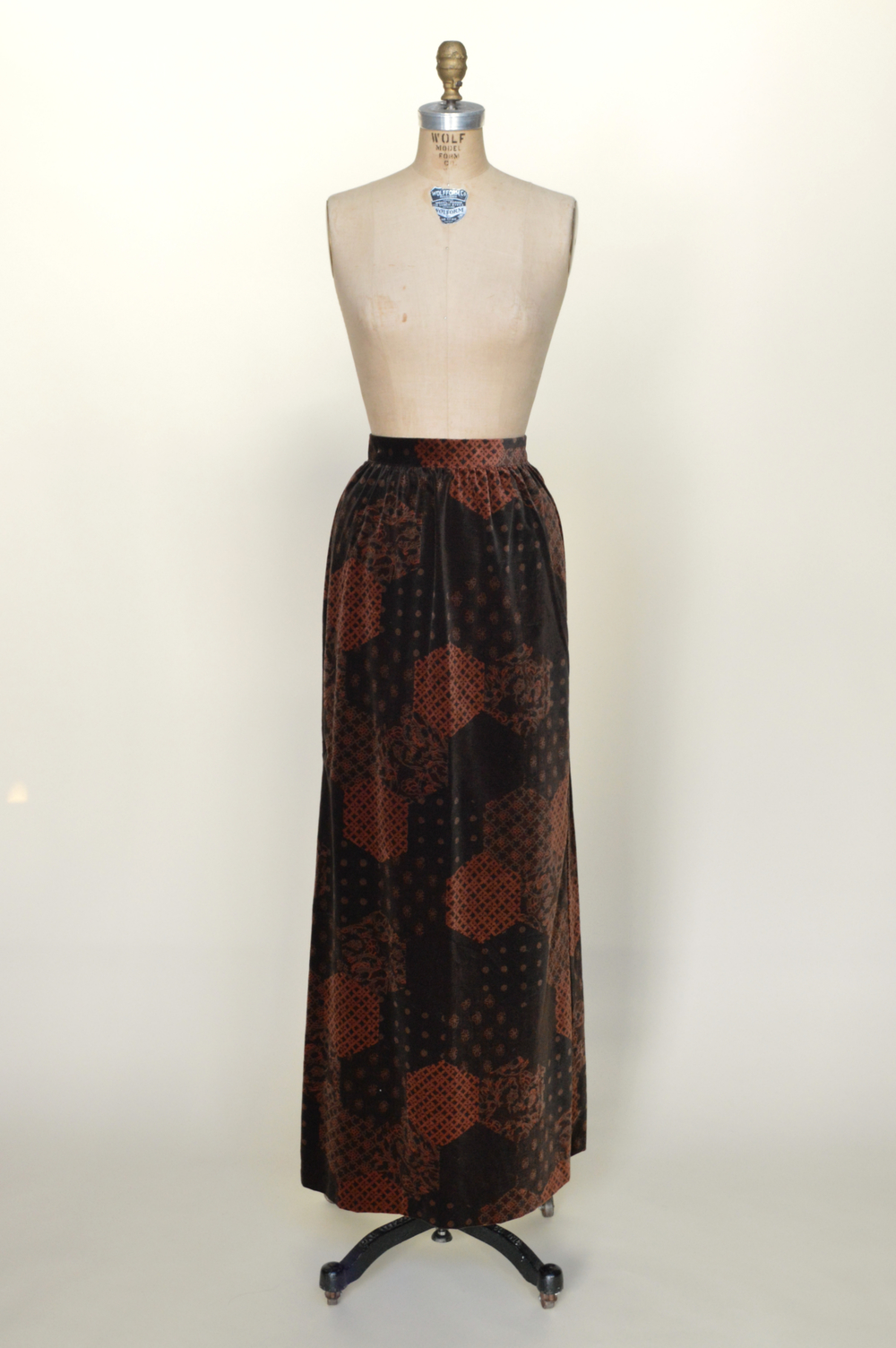 Vintage velour skirt from Dalena Vintage