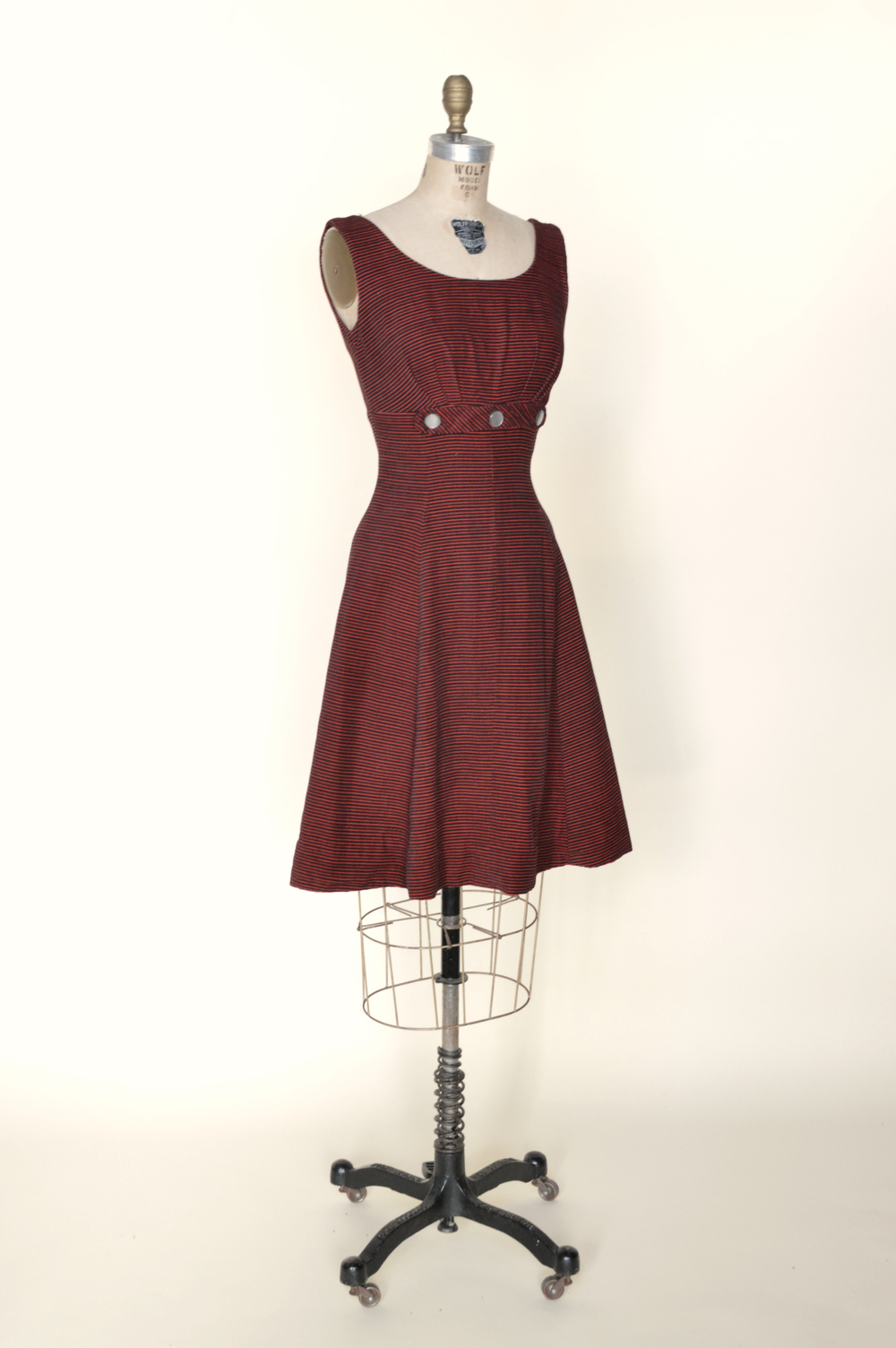 Vintage red velour dress from Dalena Vintage