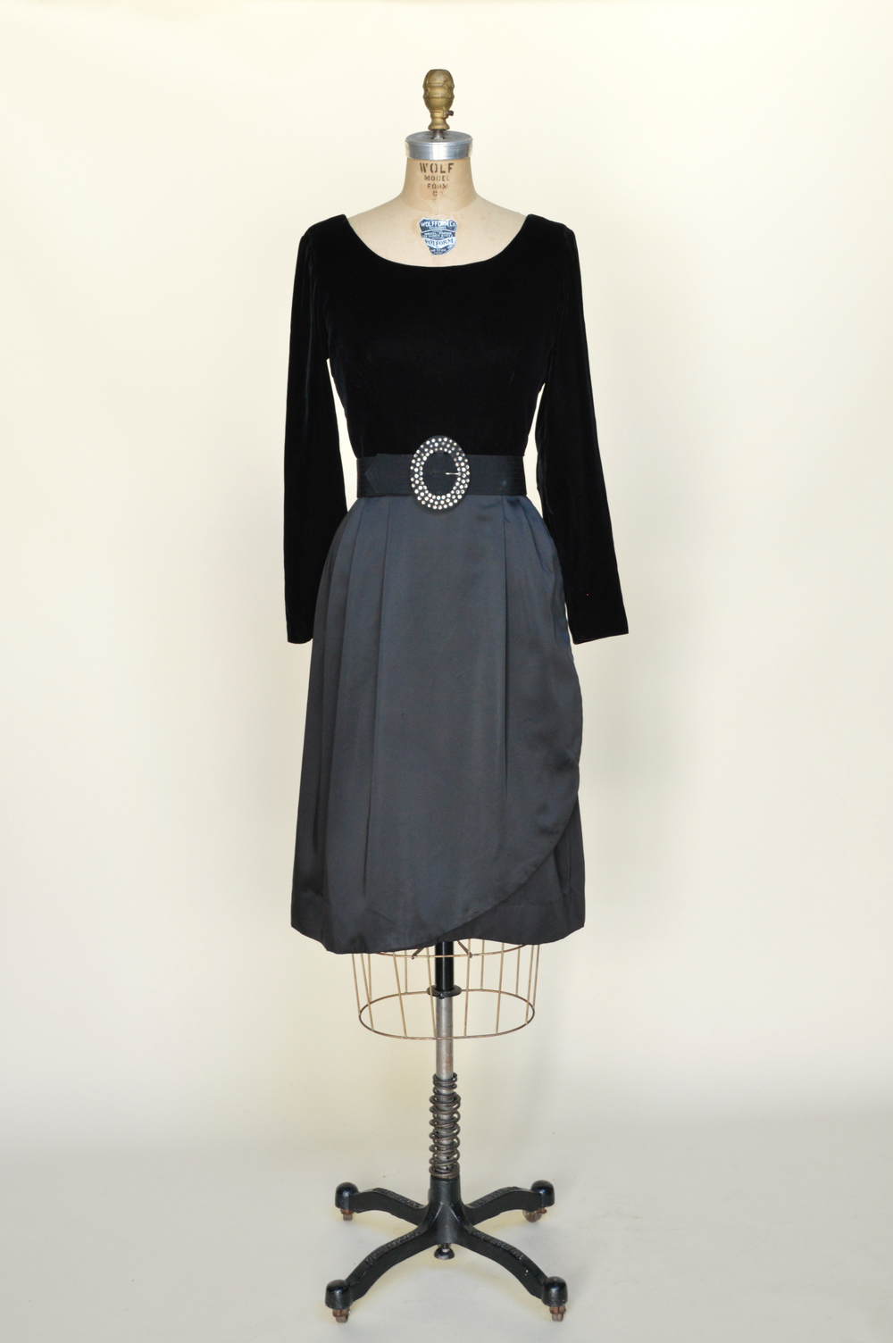 Vintage black dress from Dalena Vintage