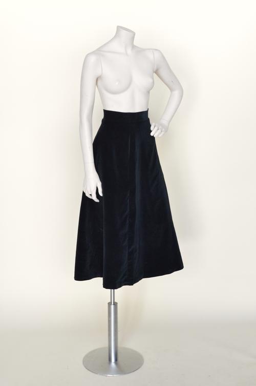 1930s-velvet-skirt-01.jpg