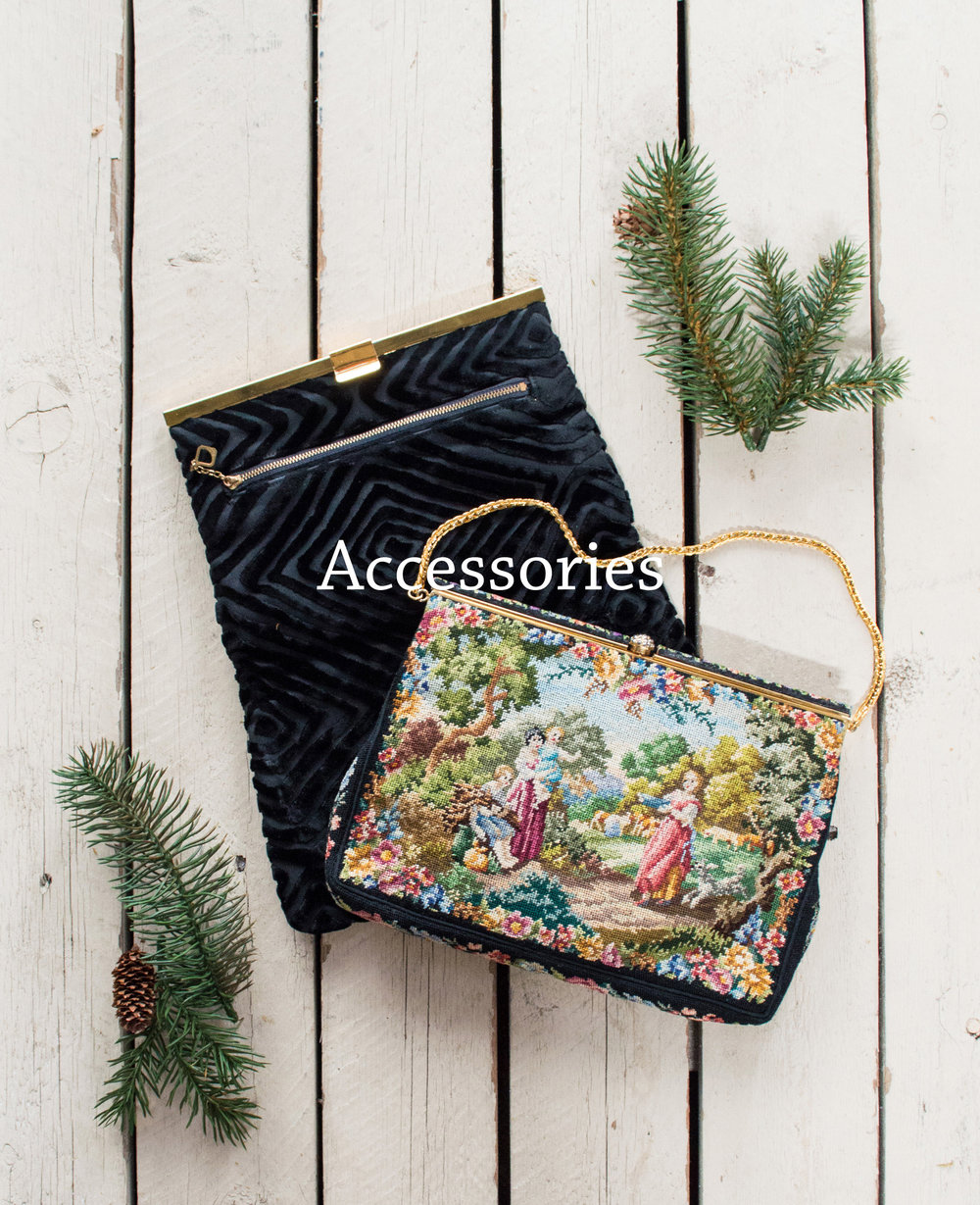 holiday-vintage-shop-purses-1.jpg