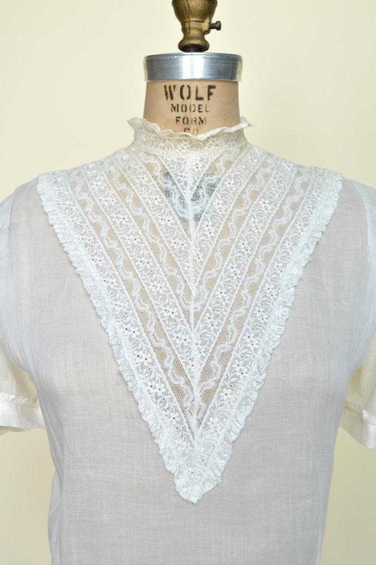 Vintage 1940's blouse from Dalena Vintage