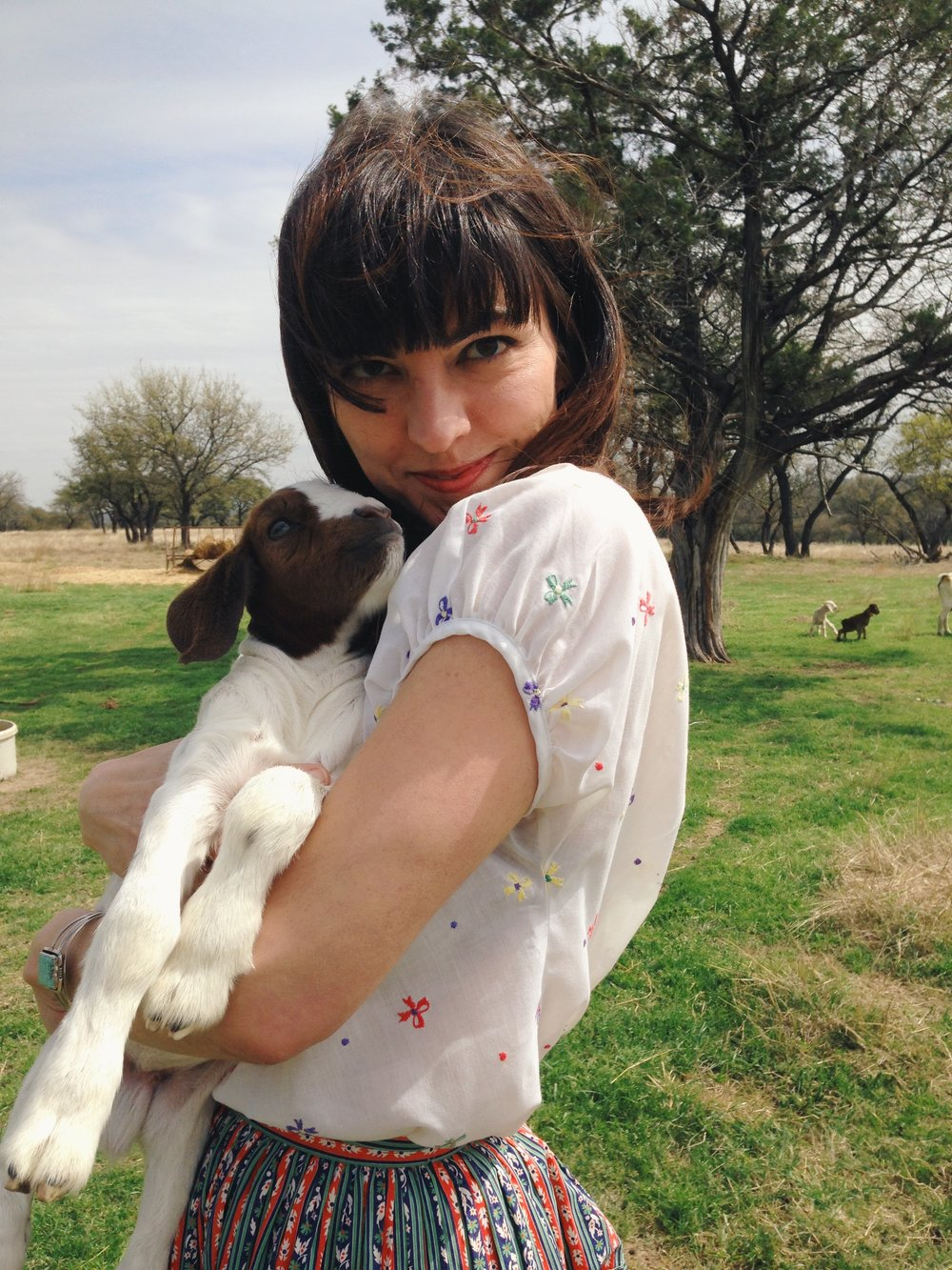 Leslie of Dalena Vintage exploring a small farm in central Texas.