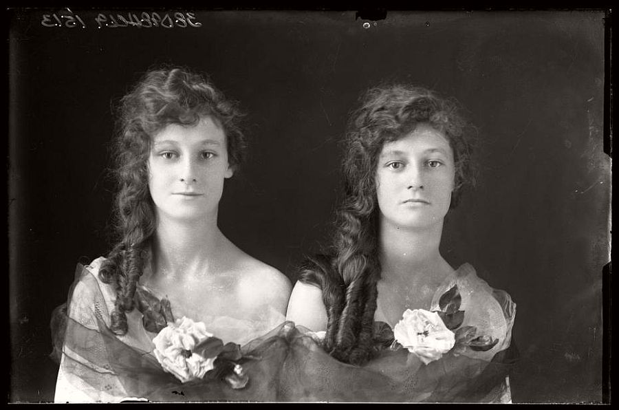 A portrait of two young women in Texas taken by Julius Born in the early 1900s.