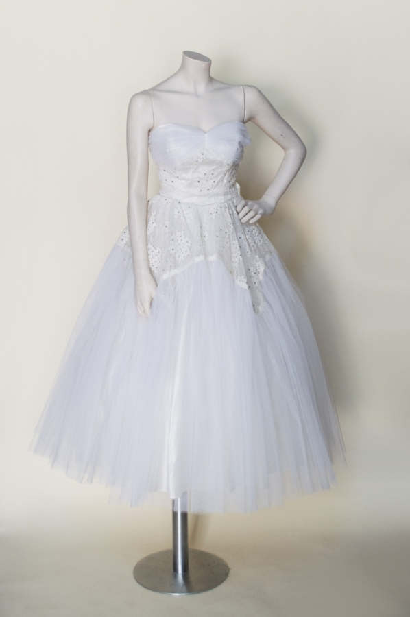 Corrine original wedding dress vintage clothing store for Vintage wedding dresses austin