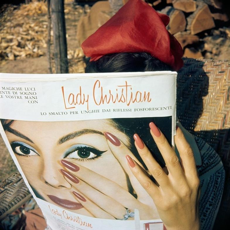 Les mains de Florette Brie le Neflier, 1961. Photography by J.H. Lartigue