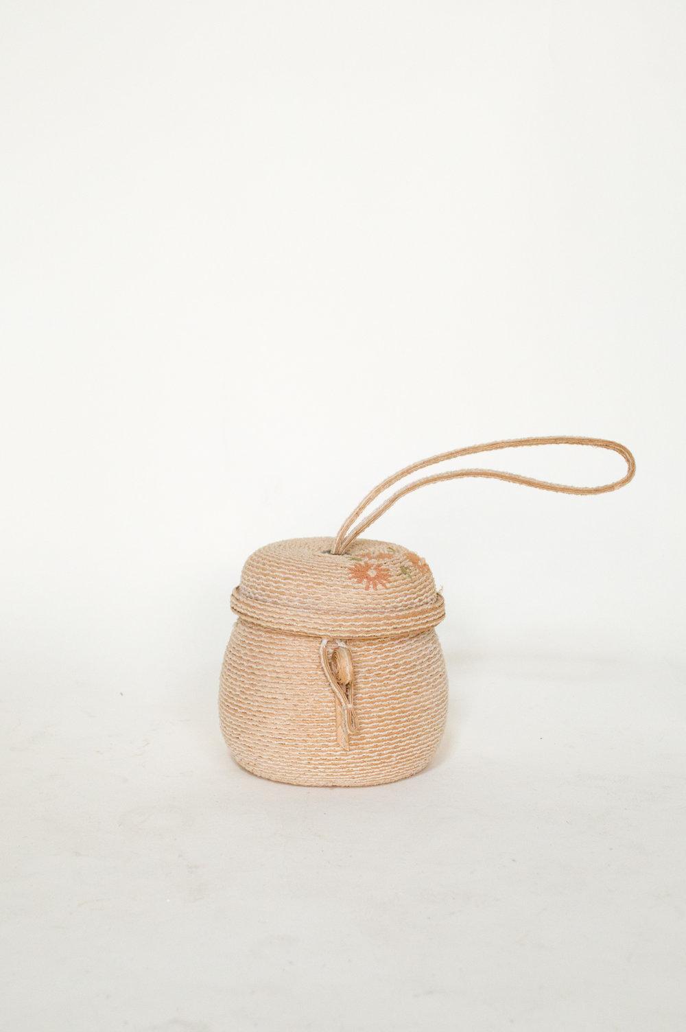 Vintage straw handbag from Dalena Vintage