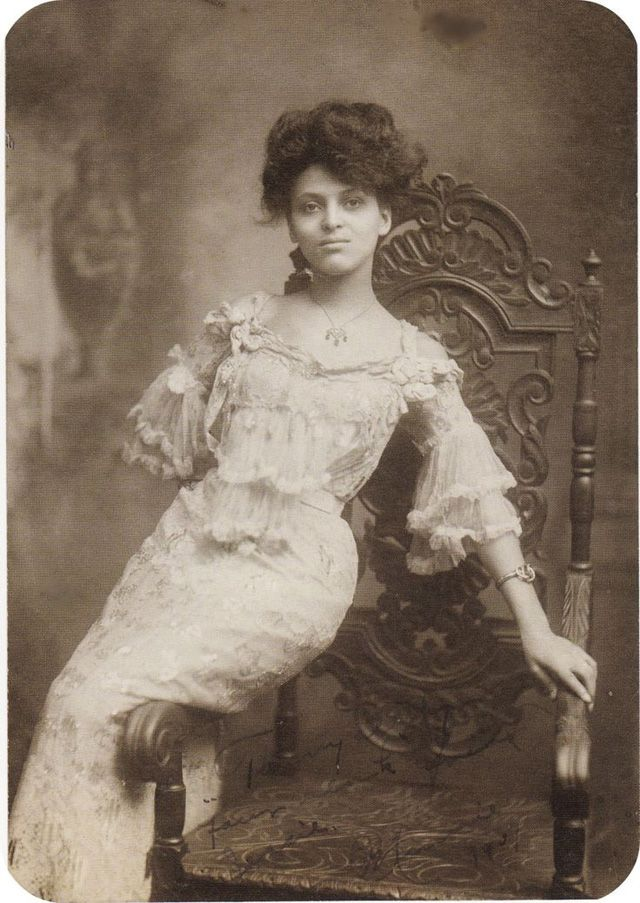 Edwardian beauty, Minnie Brown
