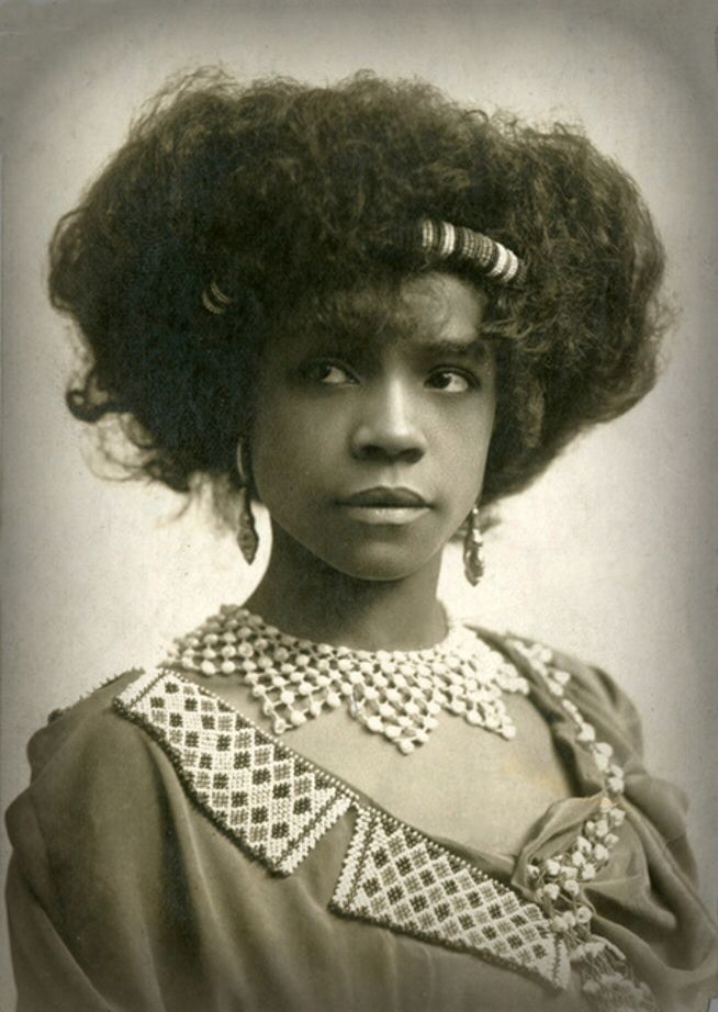 Edwardian beauty Aida Overton Walker