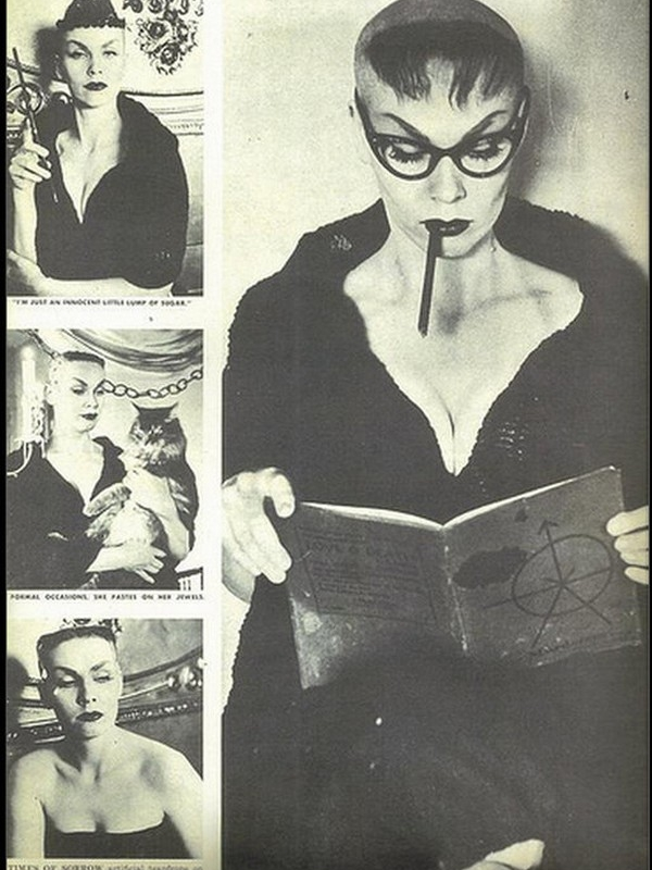 Get inspired with these vintage Halloween costume ideas. Vampira!