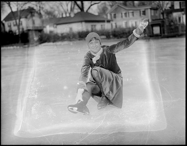 A perfect 1920s ice skating scene!