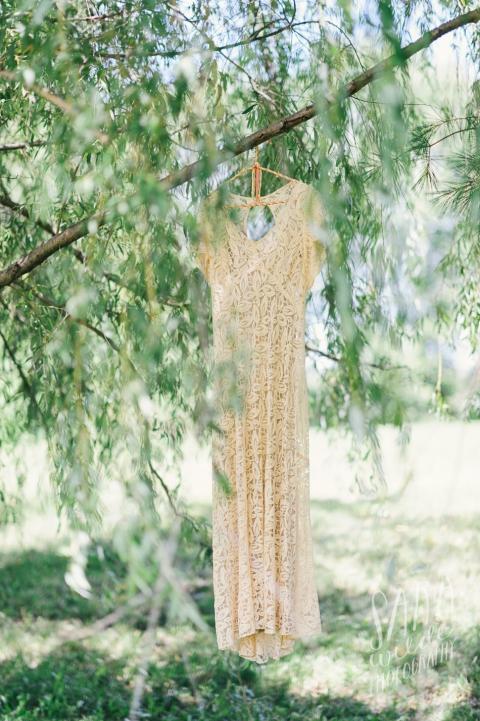 1930s DV wedding dress. Photo by Sara Wilde.
