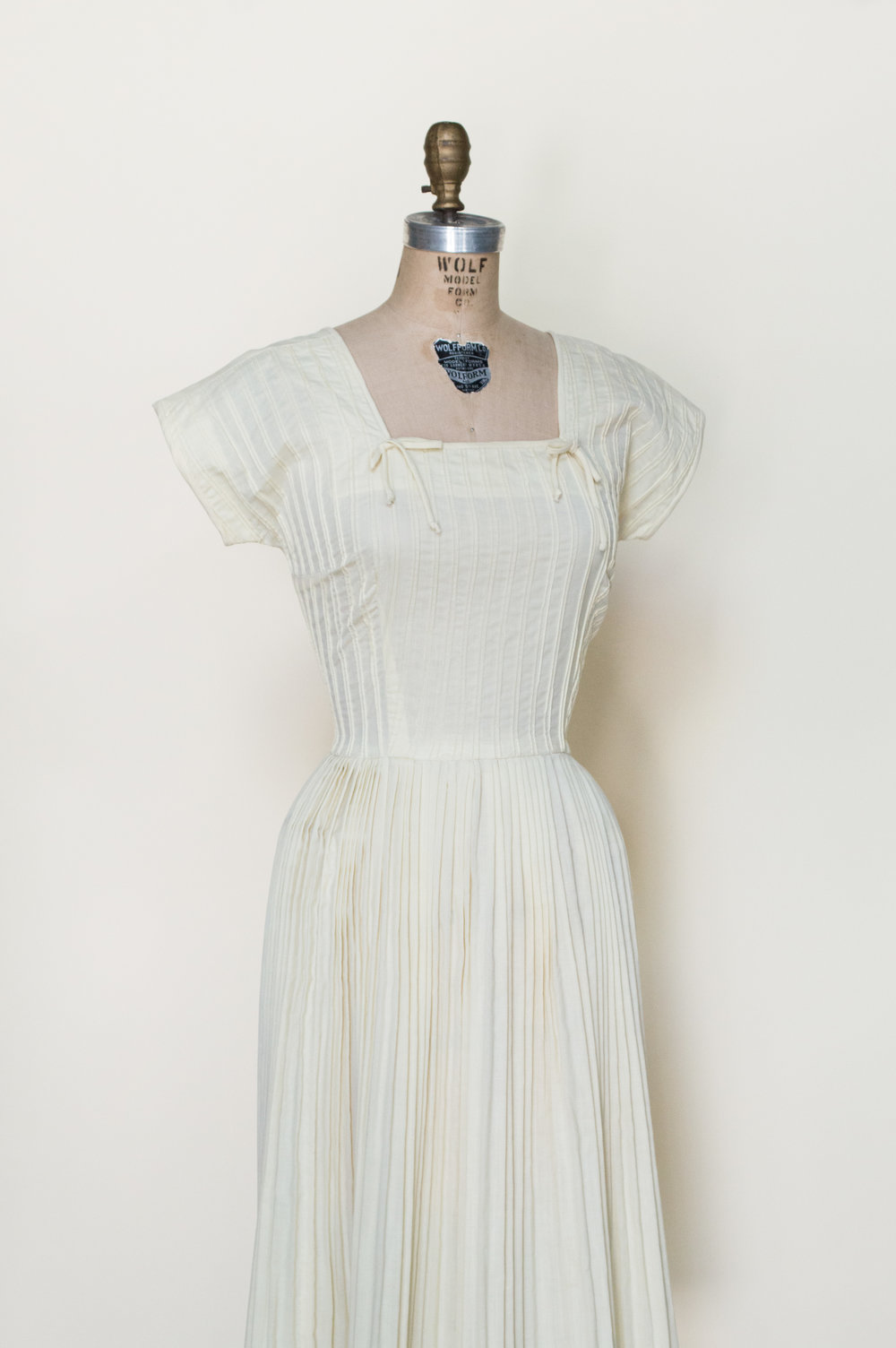 Darling yellow vintage dress from the 1950s