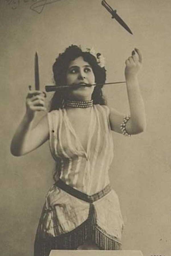 vintage-circus-performer-costume-3.jpg