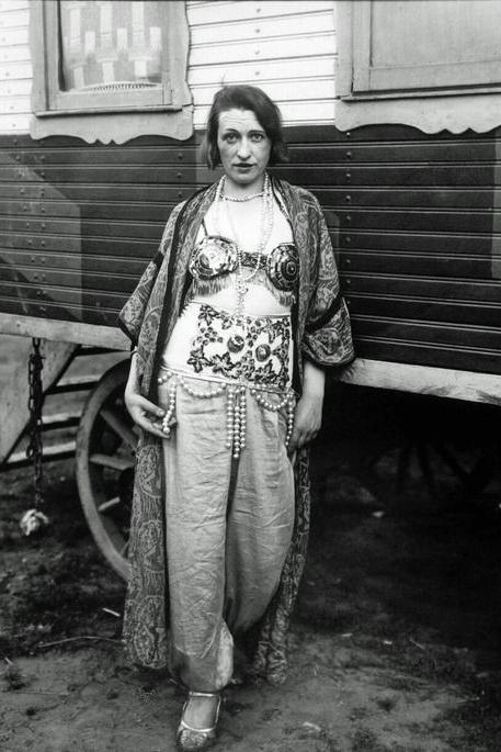 vintage-circus-performer-costume-1.jpg