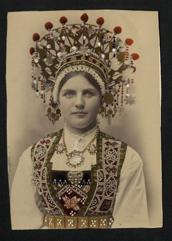 vintage-norwegian-bride-costume-2.jpg