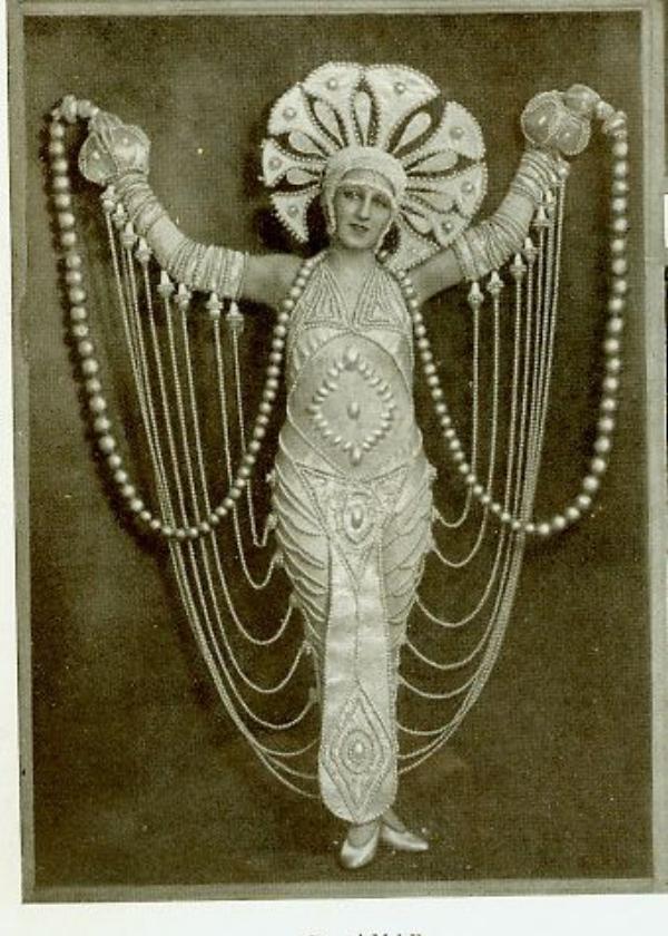 1920s-folies-bergere-costume-2.jpeg
