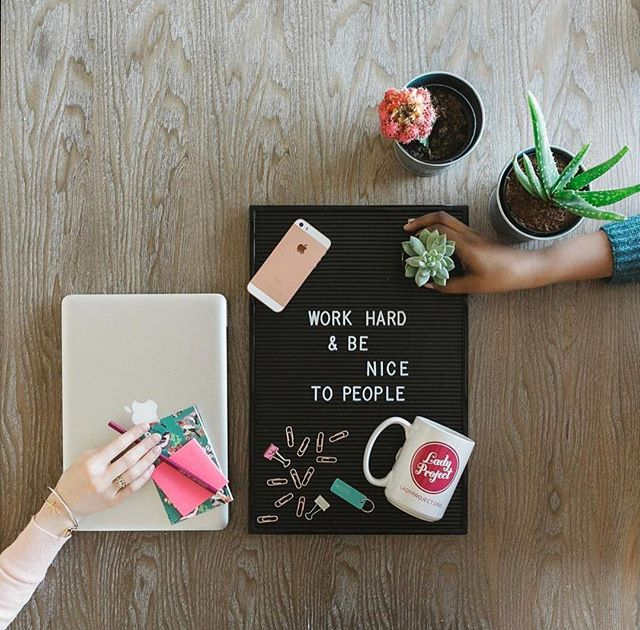 Work hard + be nice to people. 🎉 This shot by @thebrandingedit at #LPWorks is inspiring our #MondayMotivation. What's inspiring you today, lady? #connect #inspire #showcase